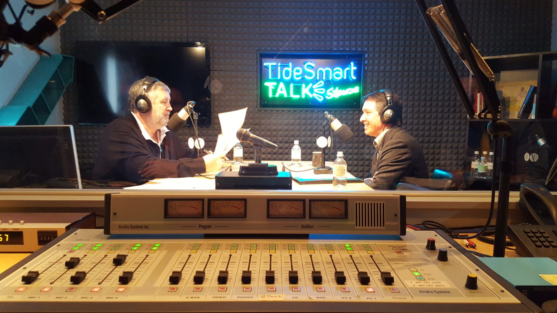 Host of TideSmart Talk with Stevoe, Steve Woods, welcomed founder of The Ecology School, Drew Dumsch (at right).
